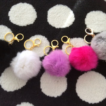Pouf faux fur keychain with lobster clap included PRE-ORDER IT!!!