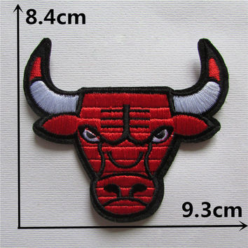 1pcs embroidery Bulls Toro cow motif iron on patch sew applique embroidery patch cool Brand new powerful DIY Animal patch