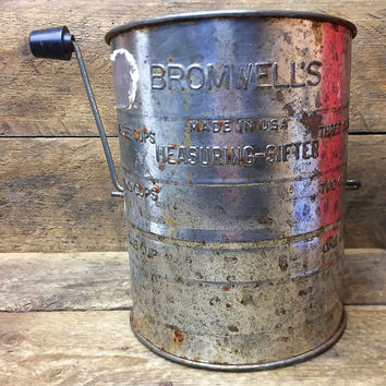 Vintage Bromwell's Flour Measuring Sifter with Black Knob Handle - 3 Cups