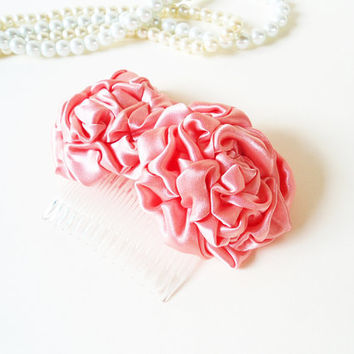 Flower Hair Combs Bridal Hair Combs for Wedding Flower Haircombs Peach Pastel Coral Flower Hair Accessories Bridesmaids Satin Rosette Fabric