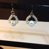 Pearl earrings with Swarovski crystal rhinestone in center