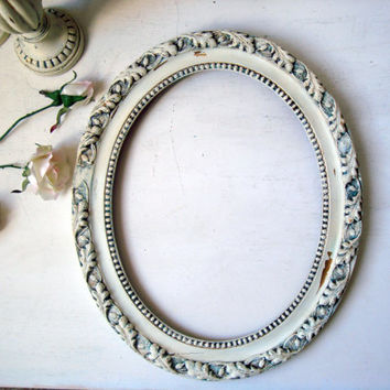 Oval Ornate Open Frame, Antique White Vintage Frame, Distressed Frame, Shabby Chic, French Farmhouse Decor, Off White Painted Frame, Patina