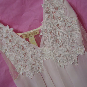 Flora Nikrooz Long Pale Pink Ivory Lace Bodice  Night Gown Bridal Honeymoon Sheer Chiffon Crepe Nightgown Resort Cruise Wear
