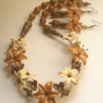 Floral necklace and earrings- Caramel jewellery