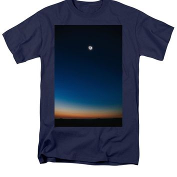 Solar Eclipse, Syzygy, The Sun, The Moon And Earth - Men's T-Shirt  (Regular Fit)