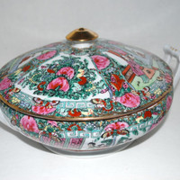 Japanese porcelain ware bowl with lid  Rose Medallion  design hand painted  ACF porcelain serving bowl with lid