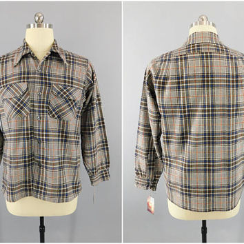 Vintage 1960s Pendleton Wool Shirt / Deschino's Woodbury Conn. / Blue Gray Plaid / Size XL / 44 / Vintage Men's Shirt / Vintage Menswear
