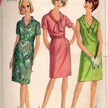 Retro Mad Men Style 1960s Secretary Wiggle Dress Slim Fit Scalloped Shawl Collar Simplicity Sewing Pattern Bust 41 Plus Size