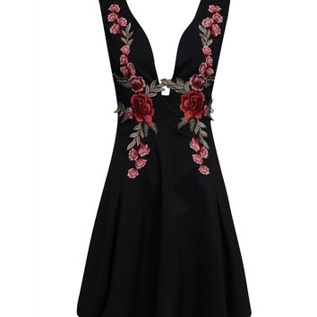 Black Deep V-neck Embroidered Detail Open Back Dress