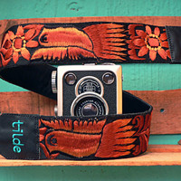 Leather camera strap with traditional Guatemalan embroidery - Paloma (Dove) in brown, beige - PLC3