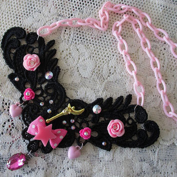 Sailor Moon Lace Necklace - MOON CRESCENT WAND - Sailor Scout Jewelry