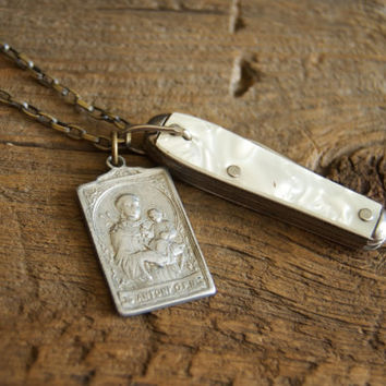 Vintage Pocket Knife Necklace » St Anthony Necklace » St Anthony Medal » Saint Anthony Necklace Medallion » Catholic Necklace » Mini Knife