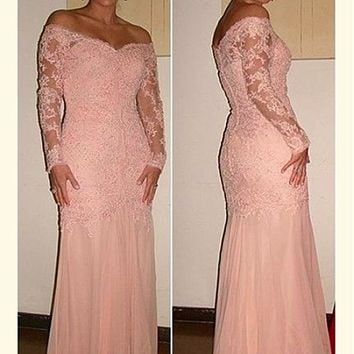 [129.99] Graceful Tulle & Chiffon Off-the-shoulder Neckline Sheath Formal Dresses With Beaded Lace Appliques - dressilyme.com