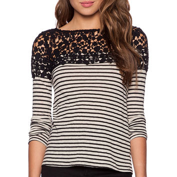 Bailey 44 Nile Top in Black