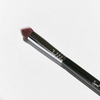 Sigma Beauty 3DHD Precision Brush - Urban Outfitters