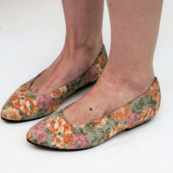 Floral Canvas Pumps Size UK 5, US 7.5, EU 38