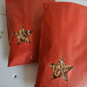 Red Kraft paper bag with a small star window set of 20 kraft bags ---Party favors, birthday party, holiday gift or wedding favor