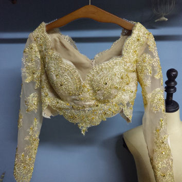 Real Photo Long Sleeves Scalloped Neckline Short Gold Lace Shawl Bling Little Jacket Outwear with Sequins O030