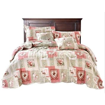 Tache Dainty Sweetheart Cottage Patchwork Quilted Coverlet Bedspread Set (SD-17007)