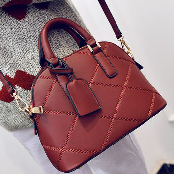 Women fashion handbags on sale = 4472983492