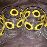 A Set of 4 Short Sun Flower Design Tumblers / Drinking Glasses