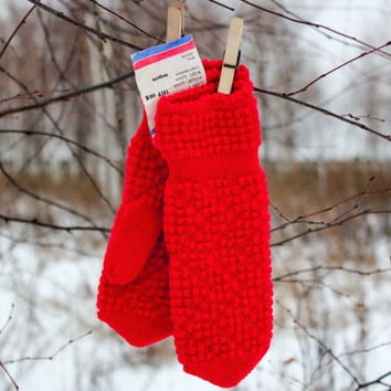 NEW Soviet Mittens / RED Textured Wool USSR Vintage Winter - Mid Season Ladies Knitted Mittens, Made in Ukraine, 1980's: Size Small, S, Xs,