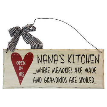 "Wooden Sign Decor - Nana's Kitchen 10"" x 4"""