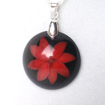 Real flower set into Black Resin - Handmade red and black necklace, Pressed Flower Jewelry, Botanical Pendant