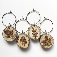 Leaf Wine Glass Charms, set of 4 rustic wood burned wine glass markers, natural wood, handmade, rustic kitchen decor, wine lover gift,