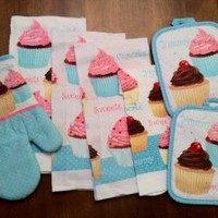 Amazon.com: 7 Piece Too Cute Cupcake Kitchen Dish Towels Set with Pot Holders and Oven Mitt: Home & Kitchen