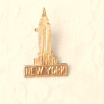 Empire State Building Pin  / New York Pin /  jewelry / USA  Souvenir / Women's jewelry / Men's Jewelry pin  / Brooch / teens / women
