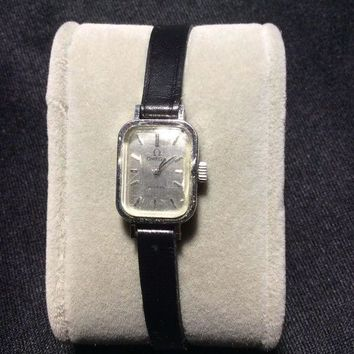 ONETOW SMALL RECTANGULAR MECHANICAL LADIES WATCH OMEGA stainless wristwatch