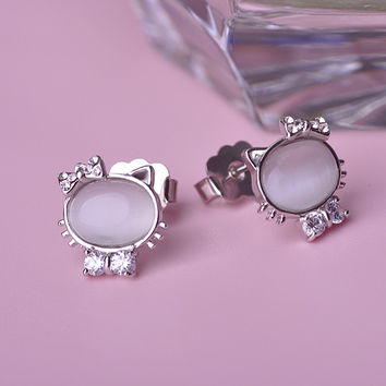 New Style Lovely Hollowed Hello Kitty Cat Stud Earrings Gold Plated Bowknot Crystal Cute Kitten Women Aretes Pendientes Mujer
