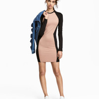 H&M Fitted Jersey Dress $24.99