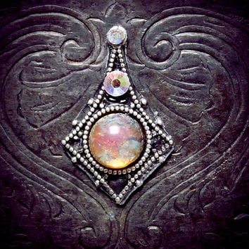 Celestia Bindi, fire opal skin gem, glass, silver filigree, moon, goddess, magic, fae, fairy, wicca, pagan, fantasy, gypsy, bellydance