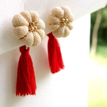 Blooming Kimono tassel earrings of Japanese traditional color / Plum blossom Ivory  -Pick your tassel color -