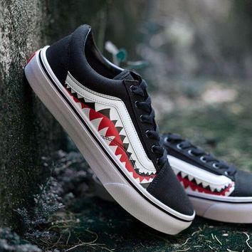 PEAPNW6 Sale BAPE x Vans Old Skool Custom 17ss SHARK MOUTHS Low Sneakers Convas Casual Shoes XH51 OS