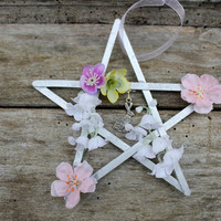 Ostara pentagram, hanging decoration for Spring Equinox, pagan altar decor, wiccan sabbat, seasonal home decor, easter bunny, eostre hare