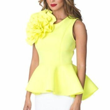 BIG FLOWER PATCH DETAIL PEPLUM TOP IN LEMON COLOR