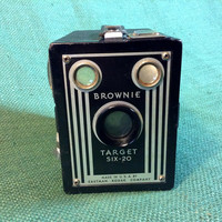 Brownie Target Six-20 Box Camera - Super Nice Condition - Very Nice - Art Deco Style Face Plate - Eastman Kodak Company