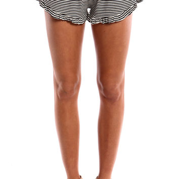 RUFFLED STRIPED SHORTS