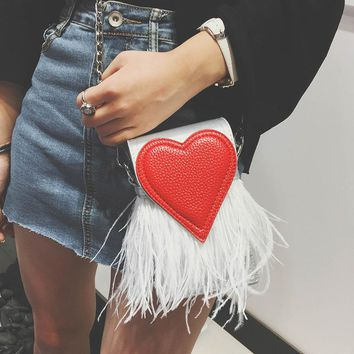 New design fashion feathers heart shape pu leather Party Casual female totes ladies handbag chain shoulder bag phone purse flap