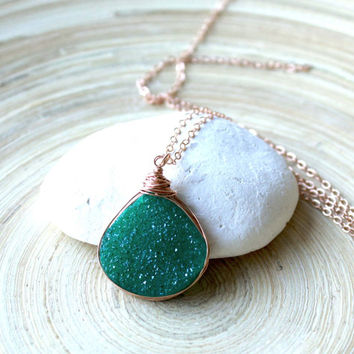 Rose gold druzy necklace with Emerald green teardrop Agate pendant. Green druzy and rose gold necklace, graduation gift. Summer trends 2015