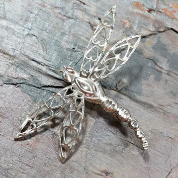 925 Sterling Silver Dragonfly Brooch Solid Body Wings are a Filigree Openwork Design with Hearts Throughout Sweet Gift Dragonfly Kiss