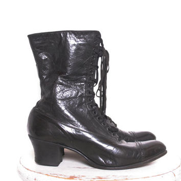 Beautiful Preserved Victorian Black Butter Leather Lace Up Antique Boots from 1800s Belle Epoche