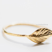 hammered leaf ring,hammered jewelry,hammered ring,Textured ring,wedding ring,bridal ring,cool ring,couple ring,vintage ring