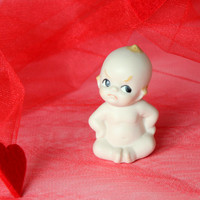 50s 60s Angry Kewpie figurine. Vintage bisque porcelain figurine. Hand painted. Collectible. Valentines gift. Baby shower gift.
