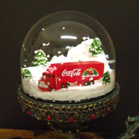 COCA Cola snow globe verdigris pedestal Coke Santa red truck snow dome rare collectible home decor