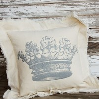 VINTAGE CROWN PILLOW - Junk GYpSy co.