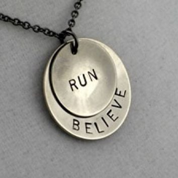 BELIEVE IN YOUR RUN - Nickel pendants with Gunmetal chain